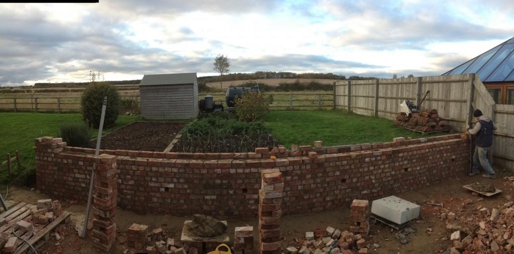 Garden wall. gaydon, warwickshire