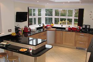 Extension and conversion specialist building in warwick for Kitchen design 6m x 4m